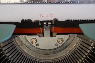 Lettera d'amore con macchina da scrivere