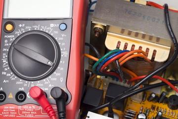 Multimeter, Instrument for measuring voltage