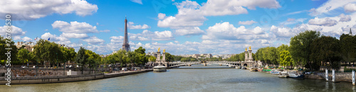 Tuinposter Parijs Eiffel Tower and bridge Alexandre III