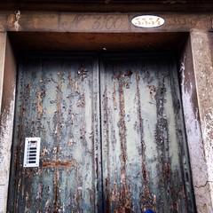 vieja puerta en Cannaregio Venecia
