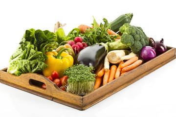 Frisches Gemüse auf Tablett