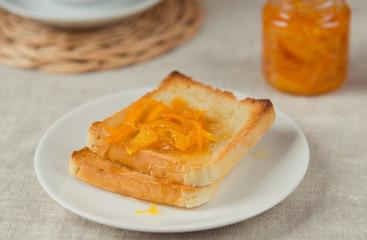 Orange marmalade and toasts