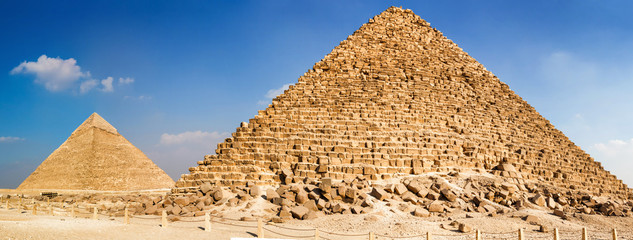 Pyramid of Menkaure and pyramid of Khafre