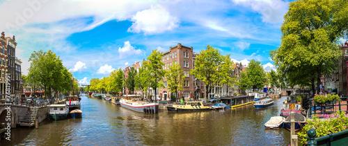 Foto op Aluminium Amsterdam Canal and bridge in Amsterdam