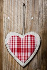 Coeur vichy rouge en bois