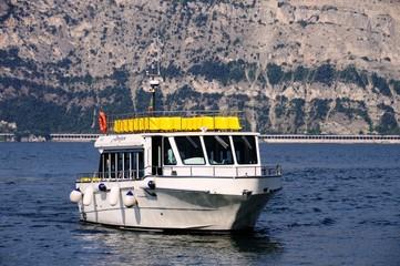 Schiff auf dem Gardasee - Italien
