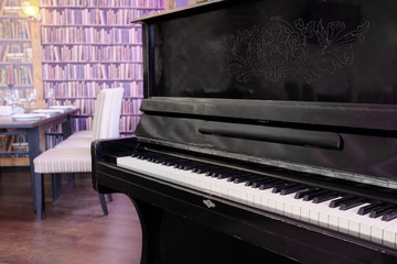 piano in hall restaurant
