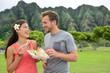Hawaii food travel couple eating shrimps on Oahu