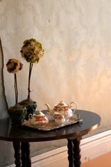 ティーポットと観葉植物