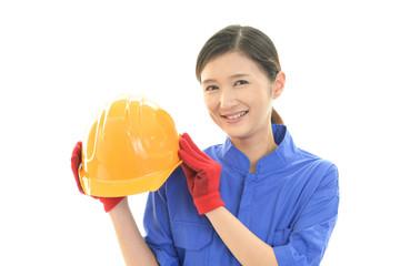 笑顔の女性労働者