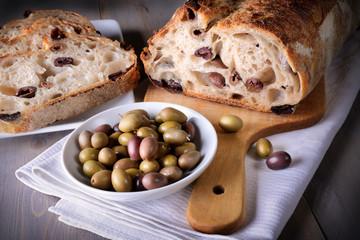 Pane alle olive taggiasche