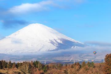 富士山と熱気球