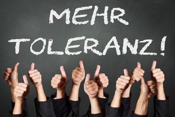 mehr Toleranz - Daumen gehen hoch
