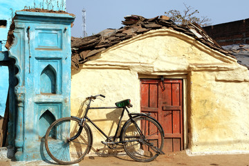 Old bicycle in Orcha, India