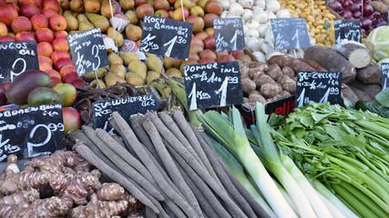 verschiedene gemüse, marktstand