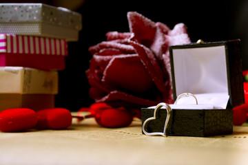 Сердце подарки и цветы