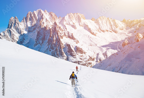 Fotobehang Alpinisme Skier in mountains