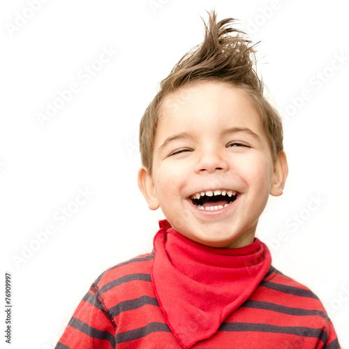 Leinwanddruck Bild lachender Junge mit Halstuch
