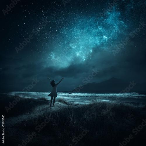 Night praise - 76912540