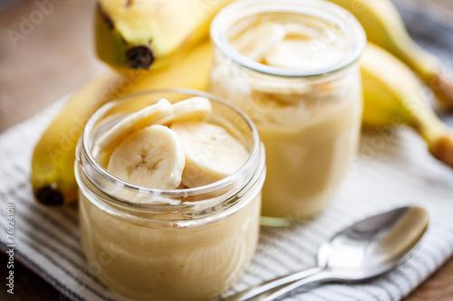 Leinwandbild Motiv Banana pudding for breakfast