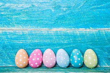 Osterkarte mit Ostereiern