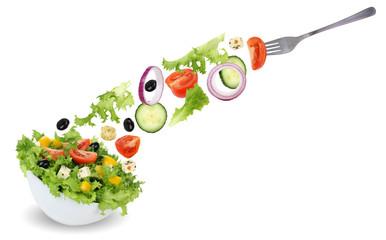 Salat essen aus Schüssel mit Gabel, Tomate, Gurke, Zwiebel und
