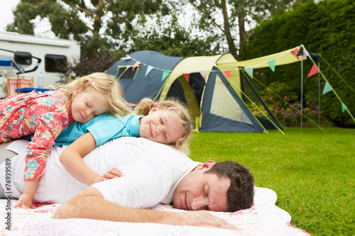 Tuinposter Kamperen Father With Children Relaxing On Camping Holiday