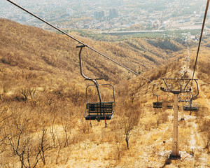 Empty cableway over the mountain