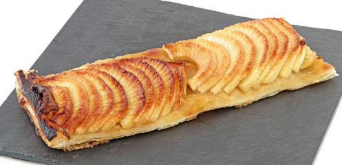 Tarte aux pommes sur ardoise