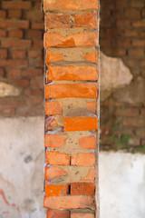 muro distrutto