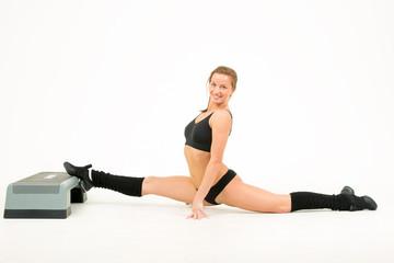 girl sits on splits
