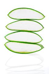 Aloe Vera Frischblatt in Stücke geschnitten und gestapelt