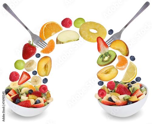 canvas print picture Fruchtsalat essen mit Früchte wie Orange, Apfel, Banane, Pfirsi