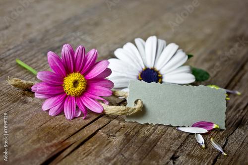 canvas print picture Blumen auf Holztisch