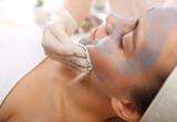 Demakijaż, zmywanie makijażu