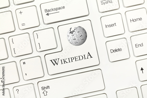 White conceptual keyboard - Wikipedia (key with logotype) - 76996915