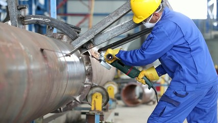 Arbeiter der Metall Industrie in Fabrik
