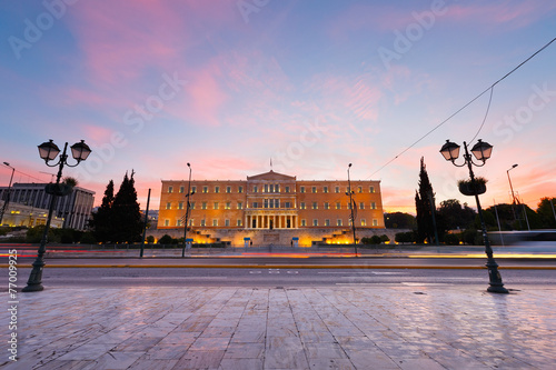 Staande foto Athene Building of Greek parliament in Syntagma square, Athens.