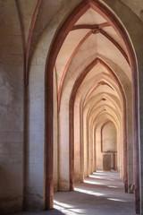 Gotische Bögen in Klosterkirche
