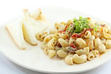 elbow macaroni pasta with carbonara sauce