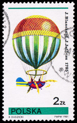Stamp printed in POLAND shows Flying air balloon