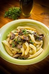 Pasta casereccia con funghi, italian cuisine