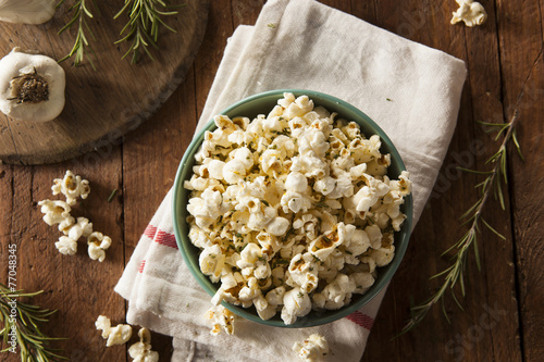 Homemade Rosemary Herb and Cheese Popcorn - 77048345