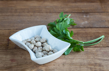 Sack with chickpeas and parsley