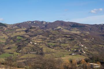 Villaggio fra i calanchi della Toscana