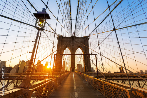 Foto op Plexiglas Amerikaanse Plekken Brooklyn Bridge sunset New York Manhattan