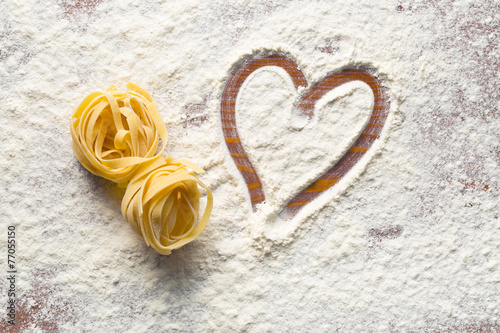heart and pasta - 77055150