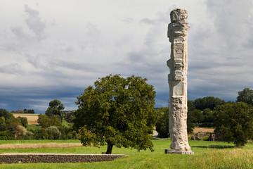 Cigognier temple pillar