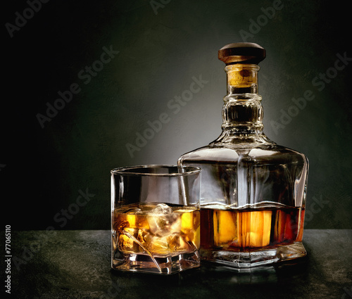 Bottle and glass of whiskey - 77065110