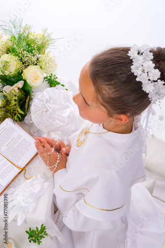 First Holy Communion - 77085390